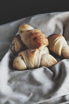 Recipe: The Best Dinner Rolls}- dineanddish.net