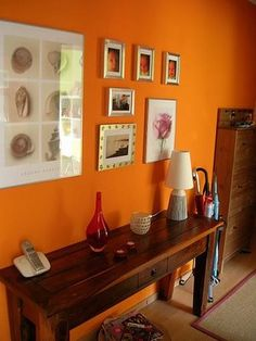 Orange wall in contemporary rustic interior - fresh and nice anchor color for brown-toned decor. orang wall, warm colors, orang decor, warm orang, accent wall