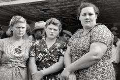 Shorpy is an online archive of thousands of high-resolution photos from the 1850s to 1950s. The site is actually a blog that posts photos on a daily basis and keeps them archived and searchable. Each photo links to a high-resolution image.