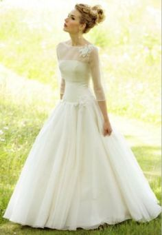 Lyn Ashworth Veronica - Very beautiful gown, dropped waist with simple flower detail - comes with removable jacket Sample size 14