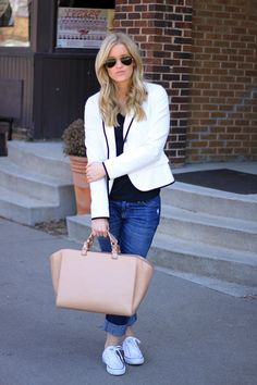 A Gap blazer and a pair of jeans as featured on the blog Katalina Girl.