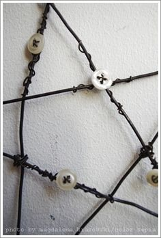 wire star with buttons