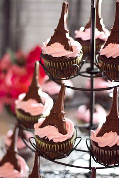 Eifel Tower topped cupcakes.