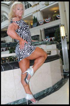 Female Bodybuilder Gillian Kovack posing her muscular calves for HDPhysiques!
