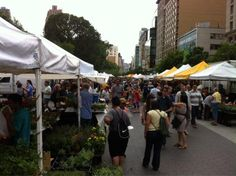 @indiral nos cuenta que lun, mie, y vie  hay greenmarket en Union Square. + info aqui: http://www.newyorkando.com/barrios/manhattan/downtown/union-square