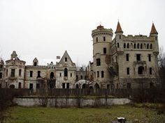 abandoned secret gardens, abandon castl, chernobyl, abandon issu, castles, abandon haunt, abandon place, famous castl, abandon build