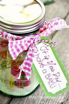 Simple Jar Gift Idea and Free Printable at the36thavenue.com