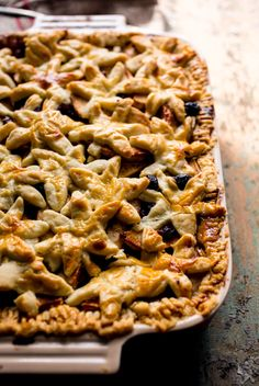 Recipe: Apple cranberry slab pie with ginger and rum. Photo: Andrew Scrivani for The New York Times
