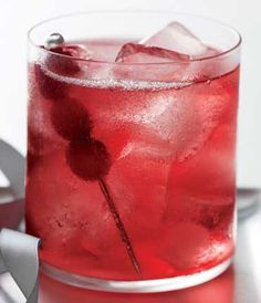 Skinny Vodka Soda Cranberry