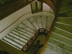 Main staircase before reno, 2009