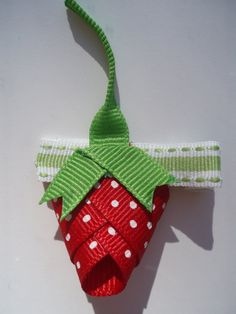 Love this strawberry clip
