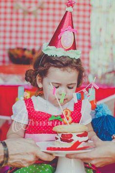 Adorable girl themed birthday party via Kara's Party Ideas! KarasPartyIdeas.com #girl #party #ideas #idea