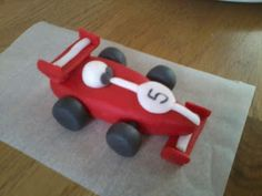 Tutorial on making fondant objects like this formula 1 car