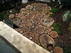 tree stumps, yard, tree trunks, garden paths, wood slices, hous, walkway, modern landscaping, stepping stones