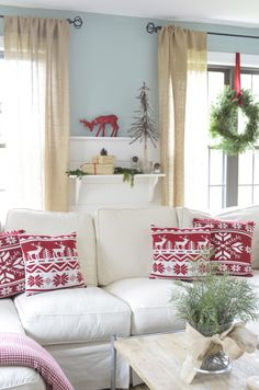 Red + white Christmas : Christmas decorating ideas