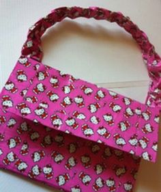 Purse made from duct tape!! How awesome!!! :-)
