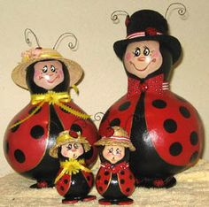 I so want this gourd family! from down in the gourd patch gourd famili, gourd art, gourd craft, gourds, paint gourd, ladybug gourd, families, ladybug famili, ladi bug