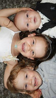 three kids pose, three kids photography