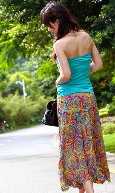 Saia croche - crocheted skirt with spirals/circles