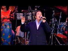 Tom Jones - concert live in (Cardiff Castle-2)