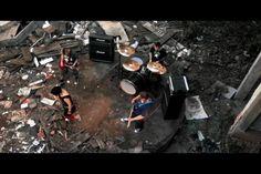 realidade freak show. clipe da cantora sabrina sanm, realizado pela caos!