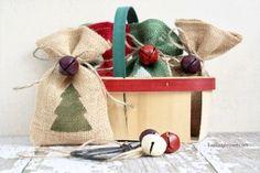 Festive Burlap Christmas Gift Bags with livelaughrowe.com #burlap #giftbags