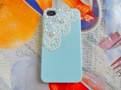 debating getting this iphone case.. :). in <3 with this colorrr.