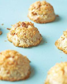 Kosher Recipes // Almond-Coconut Macaroons Recipe