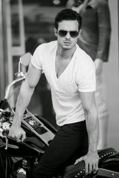 Male Models: Aaron #male #models #men #modeling #modellife #photography #malemodels #fitness #fit #health #boyts #malemodel #modelos #masculinos #hombres #hunks #jocks #model #beautiful #pretty #man #boy