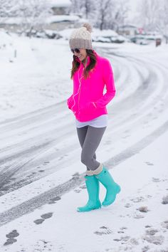 Neon Work Out and Mint Hunters #hunterboots #abercrombie