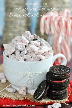 Peppermint Oreo Muddy Buddies | www.somethingswanky.com