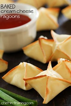 BAKED Cream Cheese Ragoons from chef-in-training.com ....These little appetizers are insanely delicious and addictive!