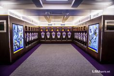 Photo Gallery: Football Team Tours Redesigned Lockerroom - LSUsports.net - The Official Web Site of LSU Tigers Athletics