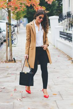 """Autumn Vibes ??? Camel coat, white shirt, black skinny jeans, red heels 