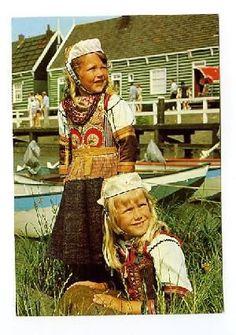 girls from Marken #NoordHolland #Marken