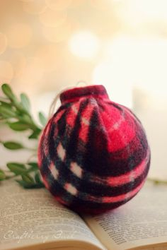 DIY plaid scarf ornaments! How cute!