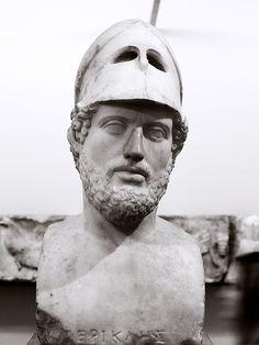 """Pericles, el gran estadista que le dio gloria a Grecias en las dos últimas Gueras Médicas y  los dos primeros años de la Guerra del Peloponeso. Se le conoce como """"el primer ciudadano de Atenas""""."""