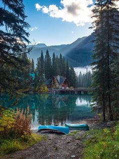 Emerald Lake Canada, one of the most beautiful places on earth!