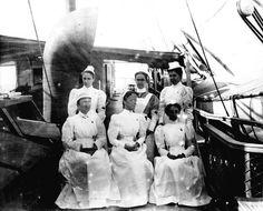 Nurses in the Spanish American War.