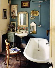 wall colors, dream bathrooms, blue walls, tub, small bathrooms, bathroom idea, bathroom designs, vintage bathrooms, wall colours