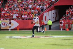 Keenum dropping back and moving around waiting for an open receiver! This is our future here!
