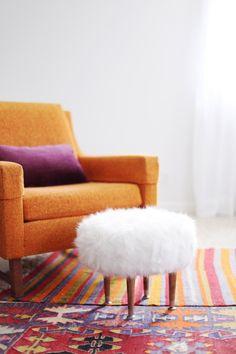 DIY Faux Fur Footstool.---if it had diff legs