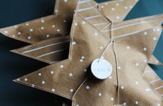 holiday, paper stars, craft, wrap gifts, gift wrapping, candi, kraft paper, small gifts, christma
