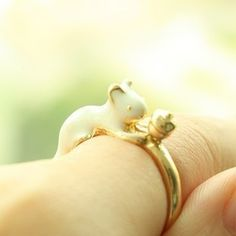 A very cute squirrel ring.