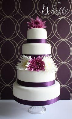 purple flowers, fresh flowers, white cakes, purple cakes, green flowers, purple wedding cakes, backdrop