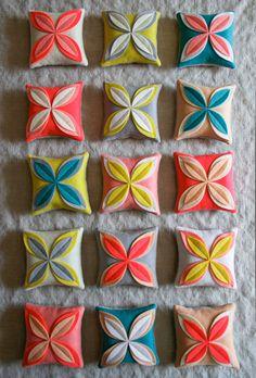 Como fazer saches de flores de retalhos de feltro - Artesanato fácil para reciclar feltro e perfumar suas gavetas e armários ~ VillarteDesign Artesanato