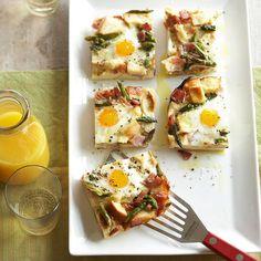 A definite brunch crowd pleaser: Ham, Asparagus and Cheese Strata. #ham #eggs #asparagus #strata #breakfast #brunch #food