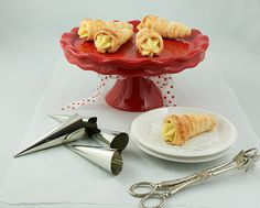 "re-pin ""Pastry Horns with Italian Pastry Cream""  http://www.becomeapastrychef.com/ cream horn, horns, pastri horn, cakes, custards, cake stands, puff pastries, pastri cream, italian pastries"