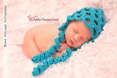 Honeycomb Bonnet - This free crochet pattern includes all sizes Newborn through 3-10 Years.