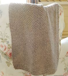 Free Knitting Pattern For Moss Stitch Baby Blanket : Knit This: Blankets and Throws on Pinterest Baby ...